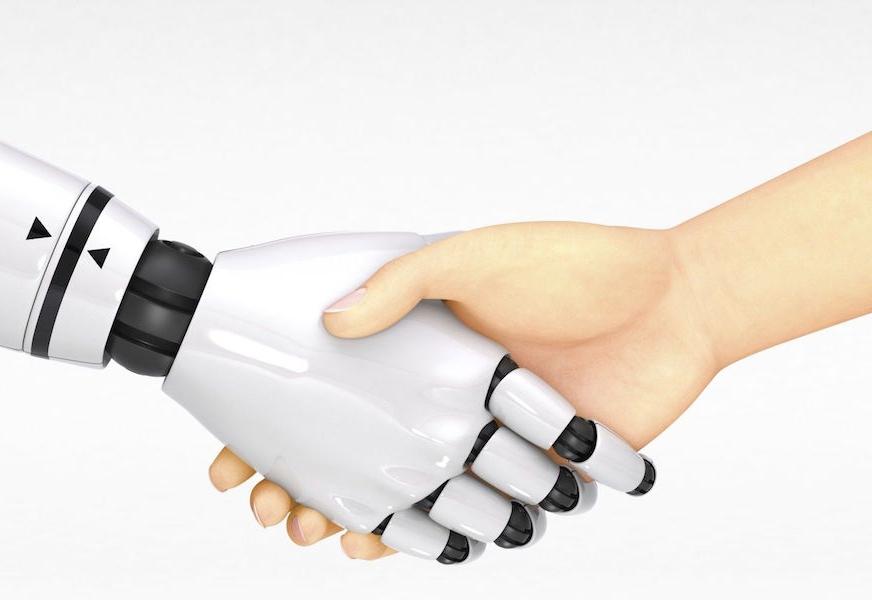 Pogovorni roboti:  prehitite konkurenco in potrošnike nagovorjajte tam, kjer jih ostali še ne